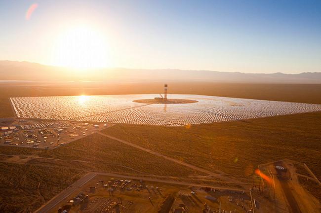 Заработи най-голямата в света слънчева електроцентрала Ivanpah