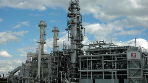 """Румънските власти възнамеряват да национализират петролната рафинерия """"ЛУКОЙЛ"""""""