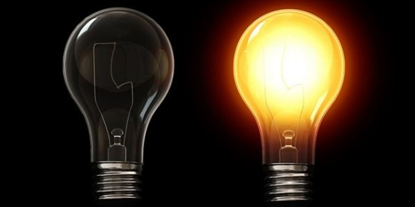 Искрен Веселинов свиква спешно комисията за контрол над КЕВР заради цената на тока