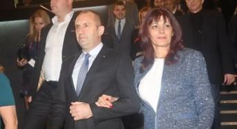 Н. Слатински налази бъдещата първа дама. Да беше налазил така и предишните, а?