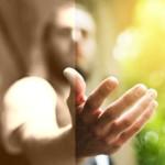 Странният закон на взаимодействието: Колкото повече помагате- толкова по-зле ще се отнасят към вас