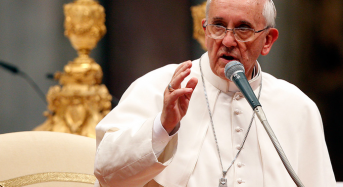 """Папа  Франциск предложи да се промени молитвата """"Отче наш"""""""