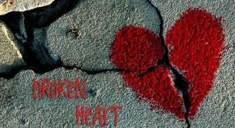 Знаците на зодиака, които се влюбват твърде силно и остават с разбито сърце са Близнаци, Рак…